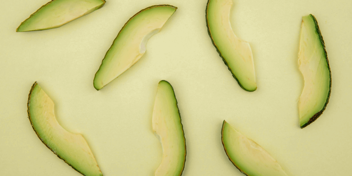 What are the side effects along with the health benefits of avocado?